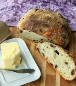 Kalamata Olive No-knead Bread1