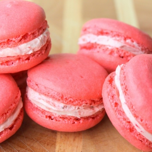 Strawberry Macarons with Strawberry Buttercream5